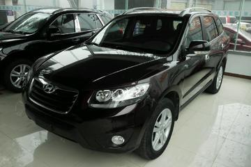 现代 新胜达 2011款 2.4 自动 舒适型5座前驱