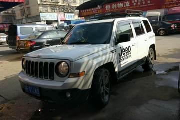 Jeep 自由客 2014款 2.4 自动 蛇行珍藏版四驱