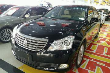 丰田 皇冠 2010款 2.5 自动 Royal真皮天窗版