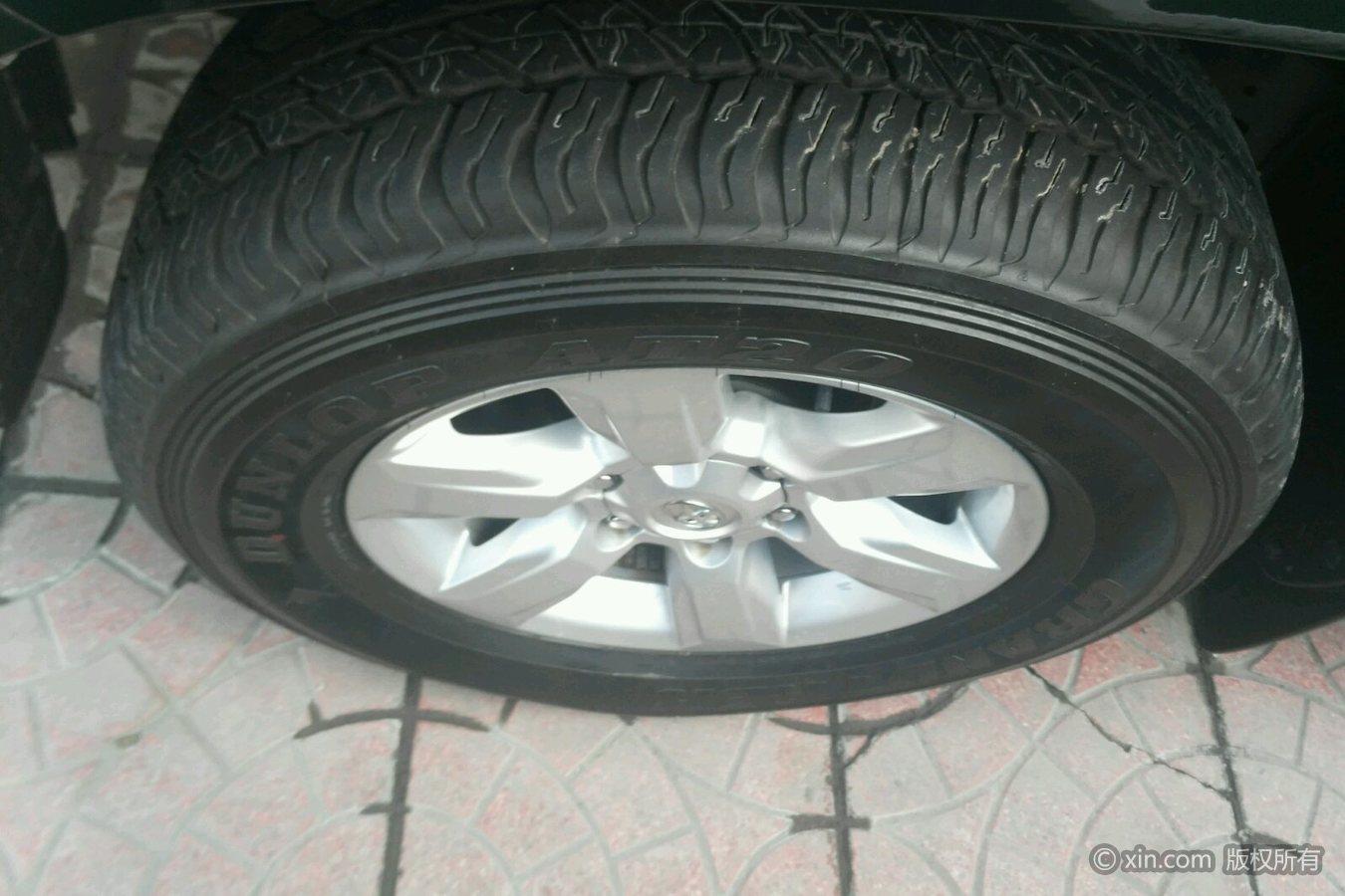 丰田普拉多左前轮胎