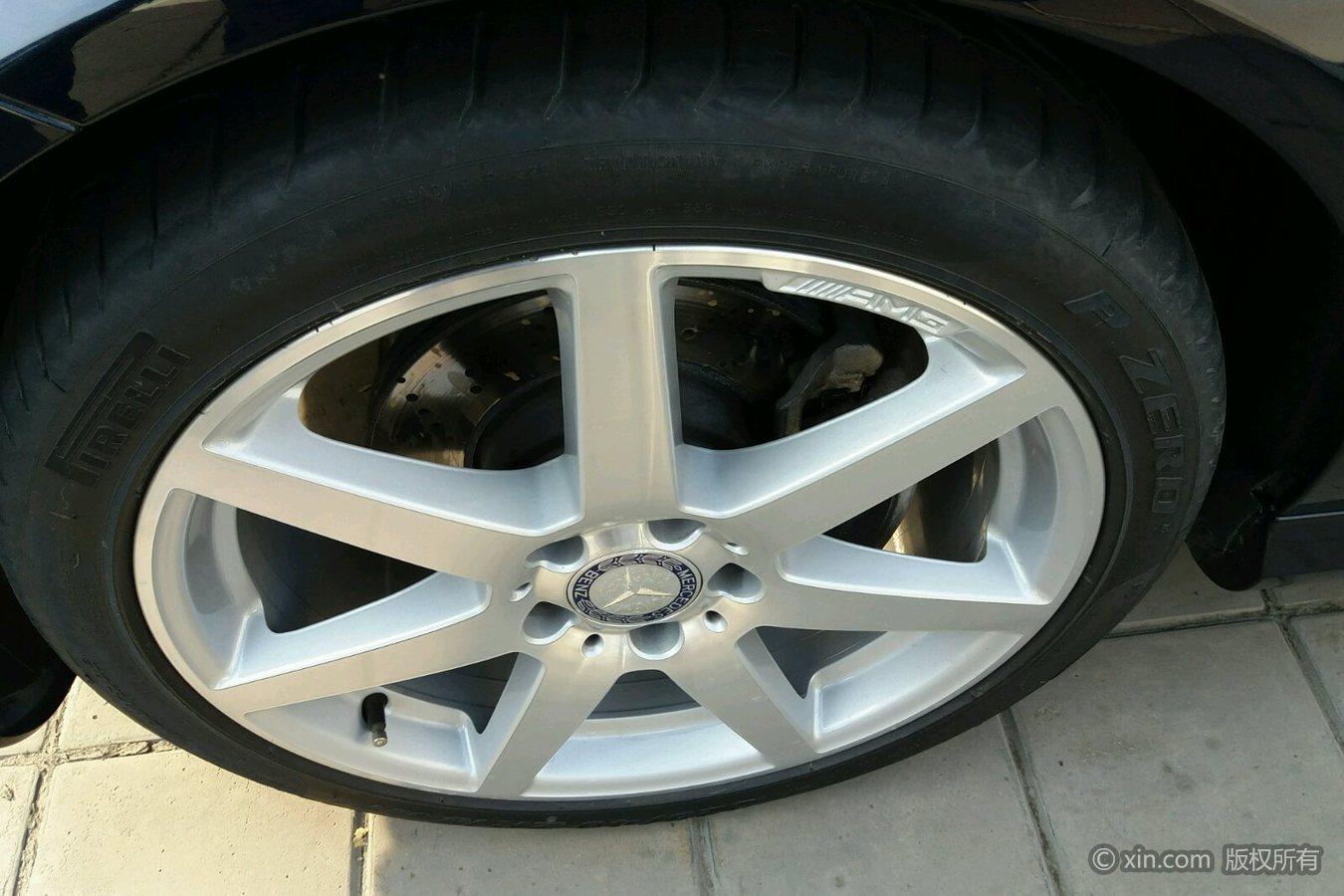 奔驰C级(进口)左前轮胎