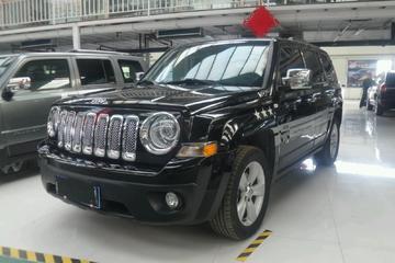 Jeep 自由客 2014款 2.4 自动 运动版四驱