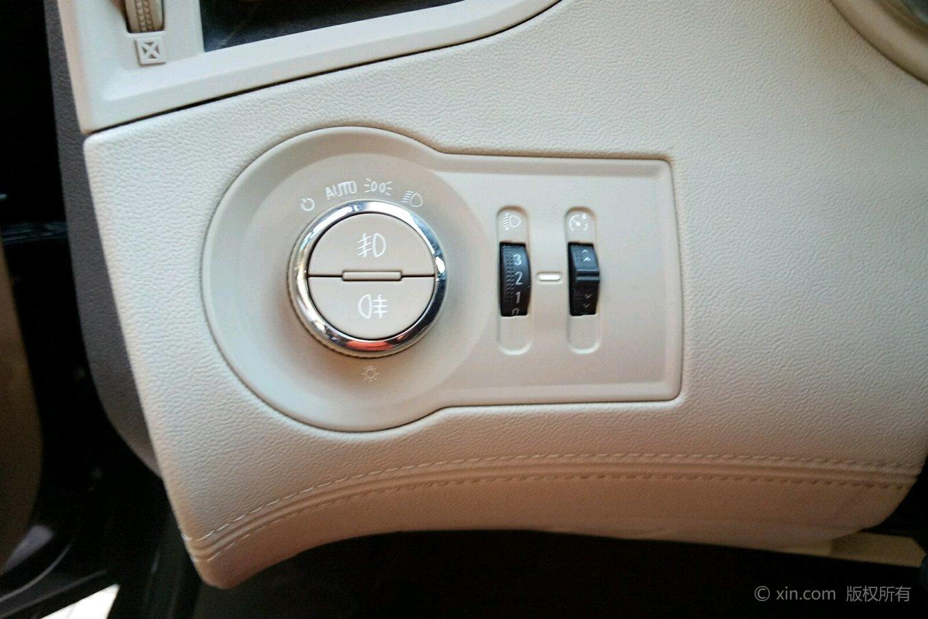 >别克 君越 2013款 2.4 自动 领先舒适型