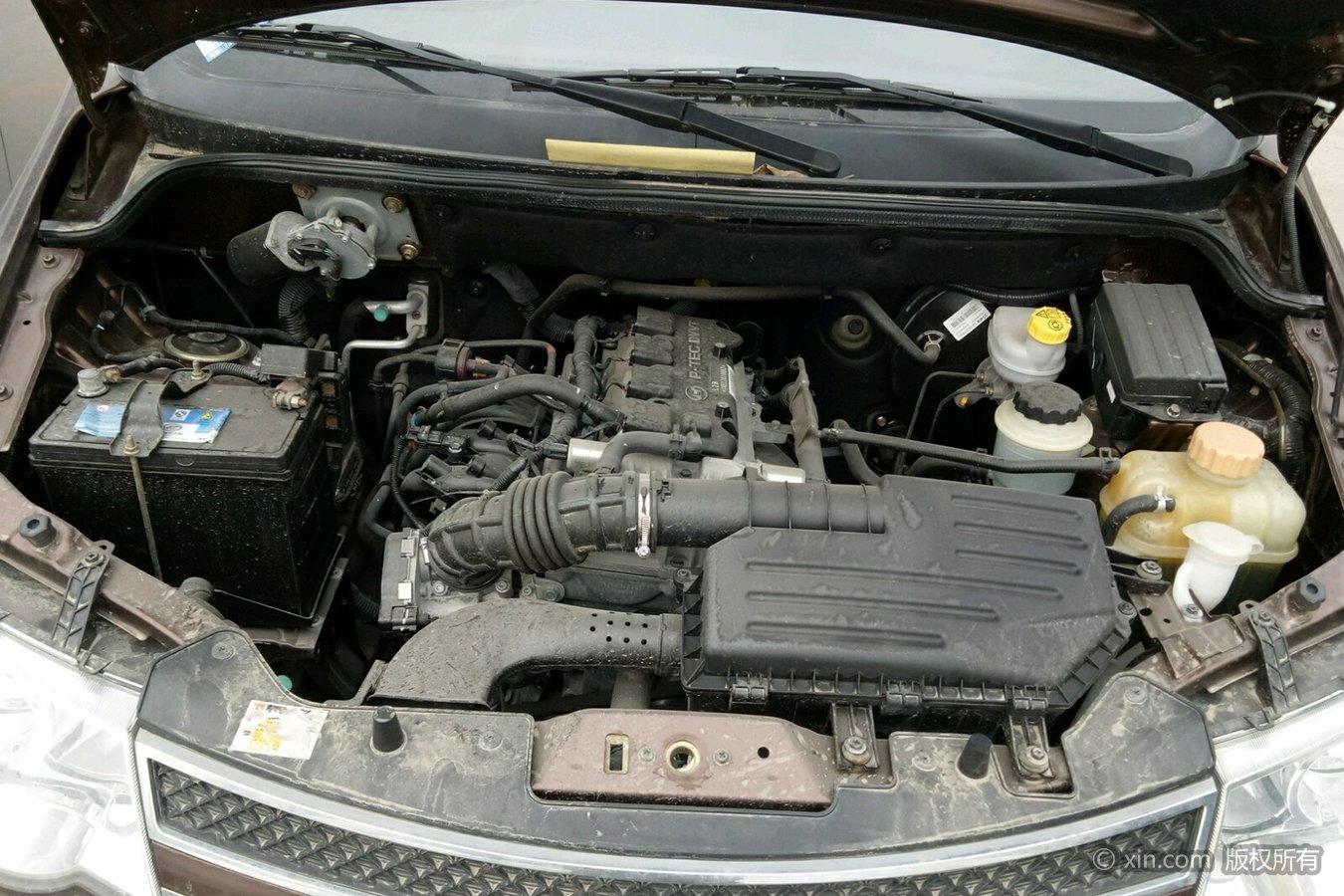 五菱汽车宏光发动机舱