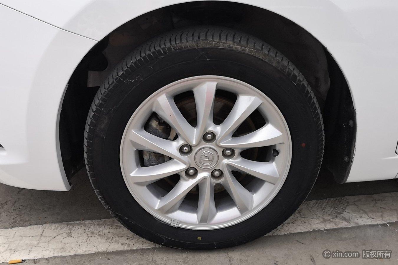 长安悦翔v7左前轮胎宋max按钮灯关闭尾箱图片