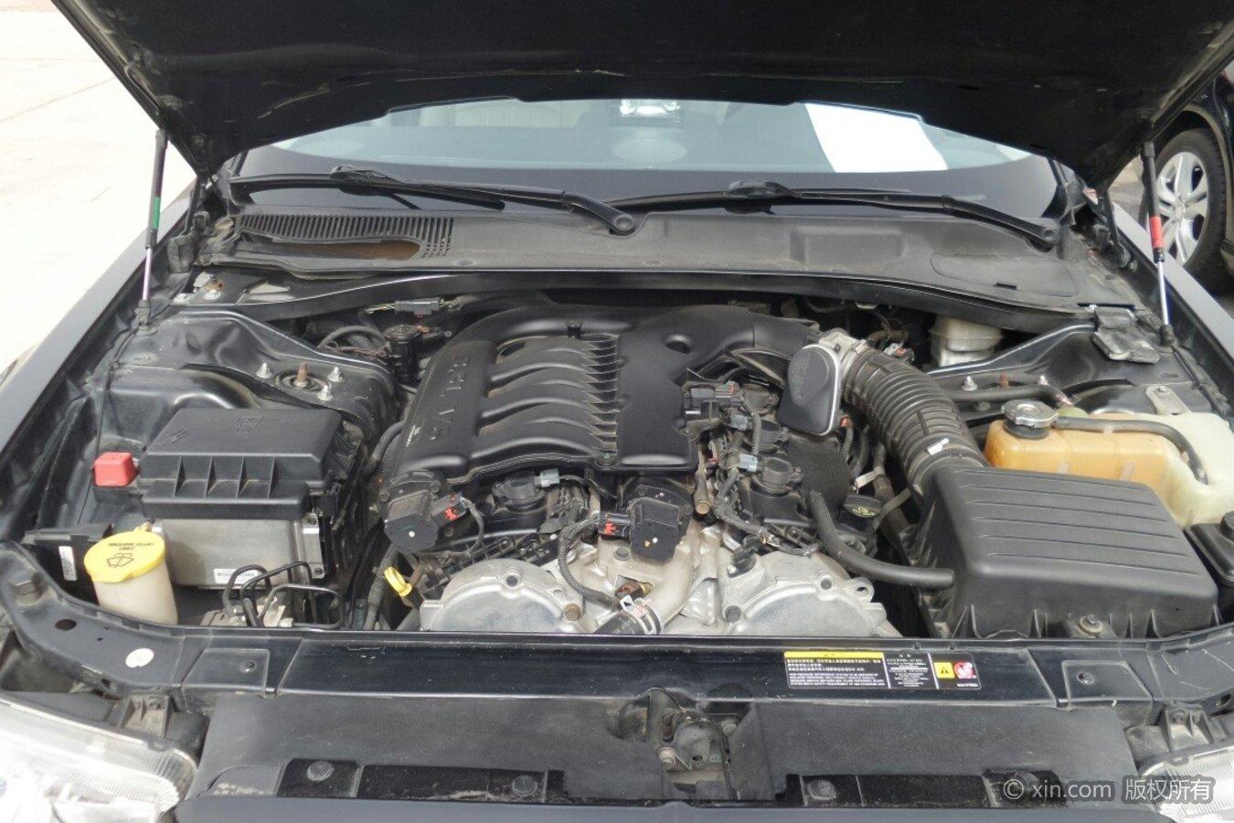 克莱斯勒300C发动机