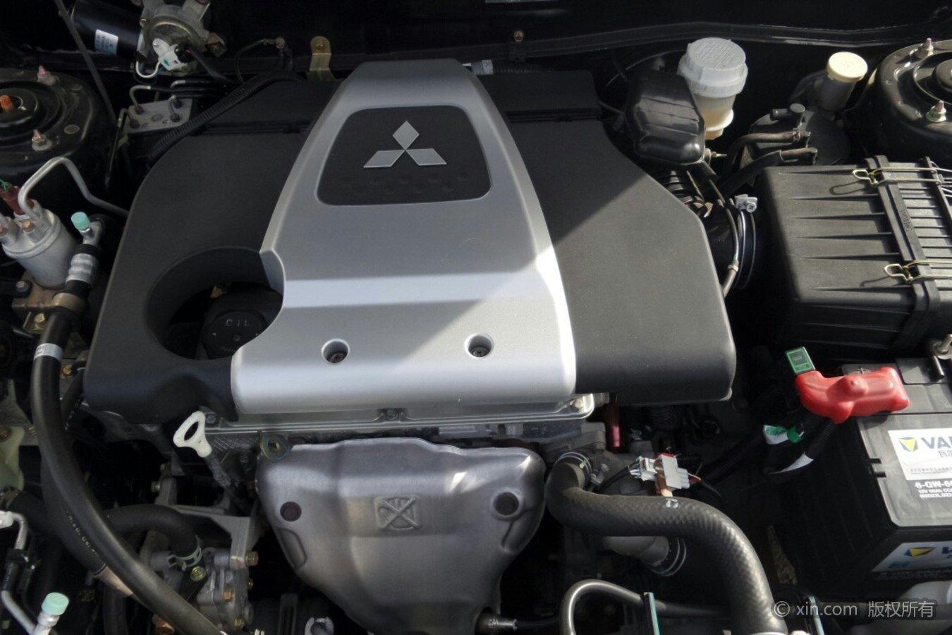 三菱蓝瑟发动机