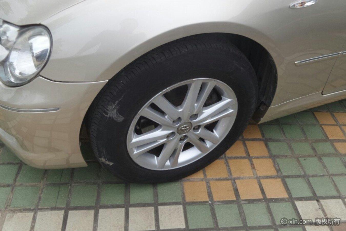 丰田锐志轮毂