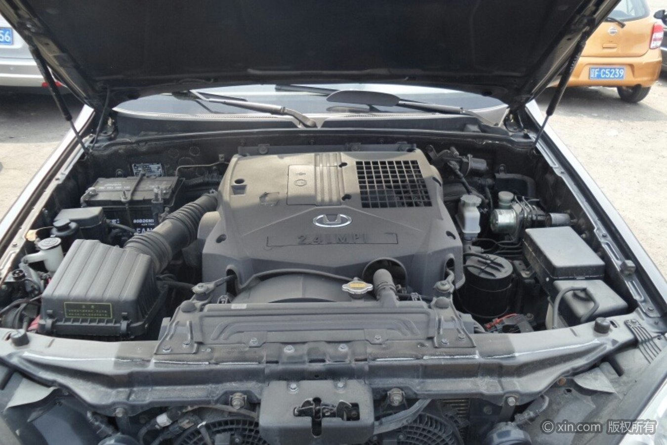 华泰特拉卡发动机订制版的宝马7系图片