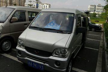 五菱 之光 2010款 1.0 手动 基本型7座后驱